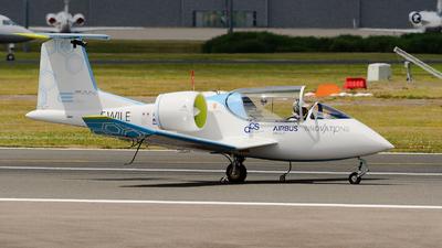 F-WILE - EADS E-Fan - Airbus Industrie