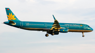 VN-A605 - Airbus A321-231 - Vietnam Airlines