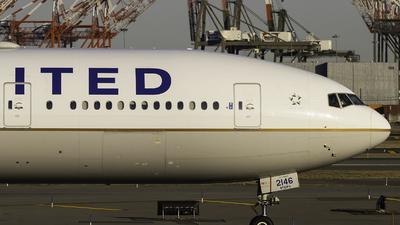 N2846U - Boeing 777-322ER - United Airlines