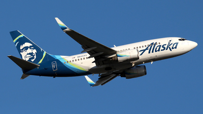 A picture of N622AS - Boeing 737790 - Alaska Airlines - © Huy Do