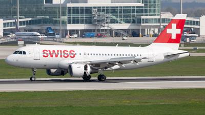 HB-IPT - Airbus A319-112 - Swiss