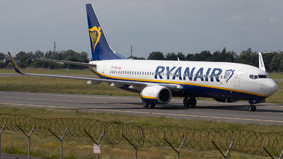 A picture of SPRSQ - Boeing 7378AS - Ryanair - © PM