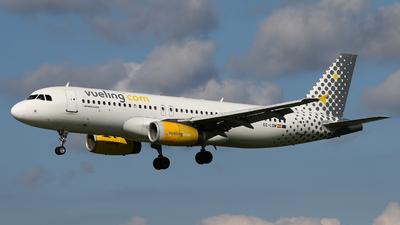 EC-LQN - Airbus A320-232 - Vueling