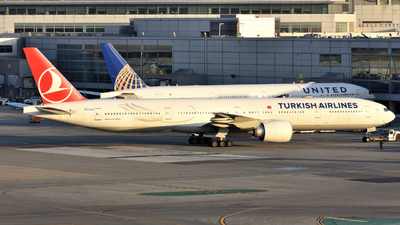 TC-LJJ - Boeing 777-3F2ER - Turkish Airlines