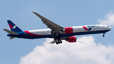 A picture of VQBZC - Boeing 77731H(ER) - Azur Air - © Roberto Tirado