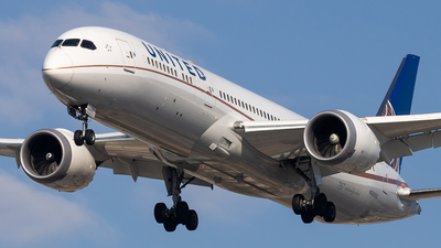 A picture of N38950 - Boeing 7879 Dreamliner - United Airlines - © fachetti_spotter
