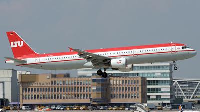 D-ALSB - Airbus A321-211 - LTU