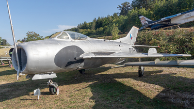 0219 - Mikoyan-Gurevich MiG-19 Farmer - Czech Republic - Air Force