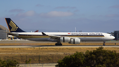 9V-SGC - Airbus A340-541 - Singapore Airlines