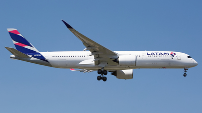 PR-XTM - Airbus A350-941 - LATAM Airlines