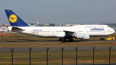 A picture of DABYJ - Boeing 747830 - Lufthansa - © Tomasz Kozakowski