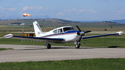 C-FLHV - Piper PA-24-250 Comanche - Private