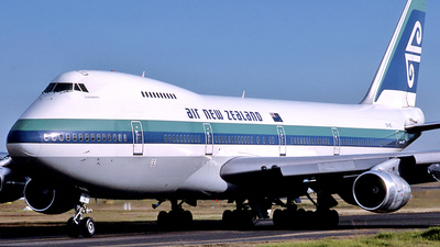 ZK-NZZ - Boeing 747-219B - Air New Zealand