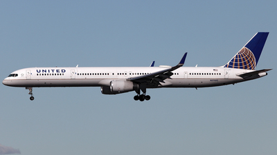 N57852 - Boeing 757-324 - United Airlines