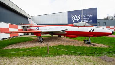 WV395 - Hawker Hunter F.4 - United Kingdom - Royal Air Force (RAF)