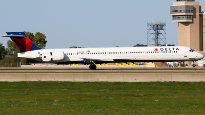 N962DN - McDonnell Douglas MD-90-30 - Delta Air Lines