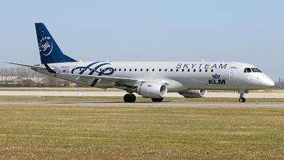 A picture of PHEZX - Embraer E190STD - KLM - © Freek Blokzijl