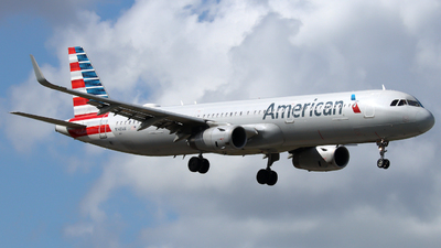 A picture of N148AN - Airbus A321231 - American Airlines - © Xiamen Air 849 Heavy