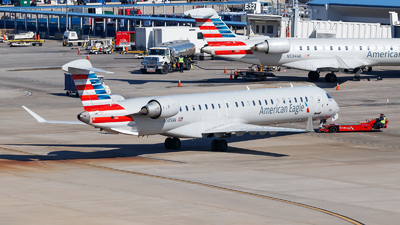 A picture of N585NN - Mitsubishi CRJ900LR - American Airlines - © Oliver Richter