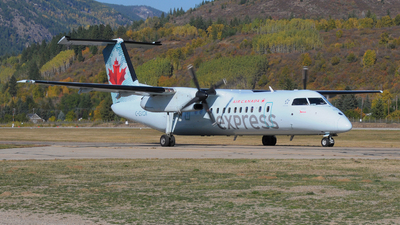 C-GVON - Bombardier Dash 8-301 - Air Canada Express (Jazz Aviation)