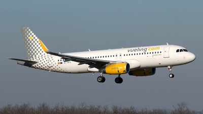 EC-MFN - Airbus A320-232 - Vueling