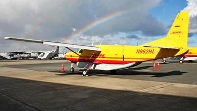 A picture of N962HL - Cessna 208B Super Cargomaster - DHL - © Robert Maverick Rivera