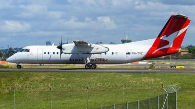 A picture of VHTQZ - De Havilland Canada Dash 8300 - QantasLink - © YSSYplanespotter