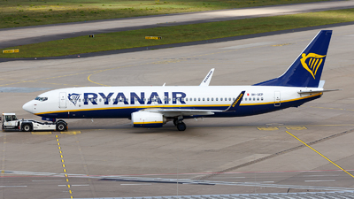 A picture of 9HQEP - Boeing 7378AS - Ryanair - © TJDarmstadt