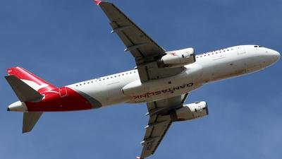 VH-VQU - Airbus A320-232 - QantasLink (Network Aviation)