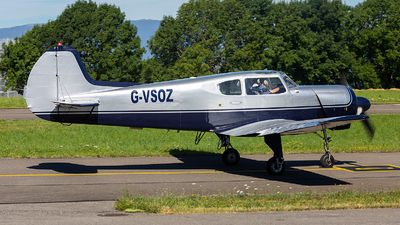 G-VSOZ - Yakovlev Yak-18T - Private