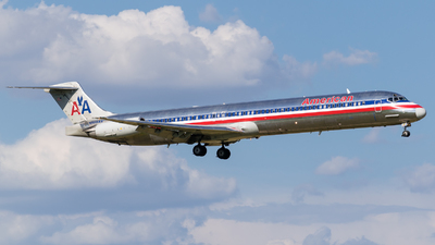 N565AA - McDonnell Douglas MD-83 - American Airlines