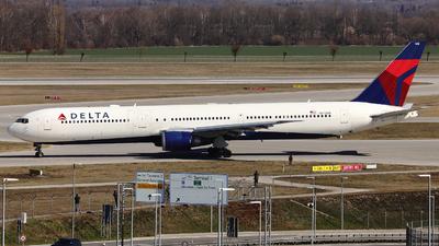 A picture of N842MH - Boeing 767432(ER) - Delta Air Lines - © Domi Einert