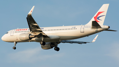 B-1018 - Airbus A320-214 - China Eastern Airlines