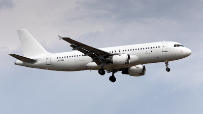 LY-COM - Airbus A320-212 - Avion Express