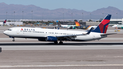 A picture of N901DN - Boeing 737932(ER) - Delta Air Lines - © Yixin Chen