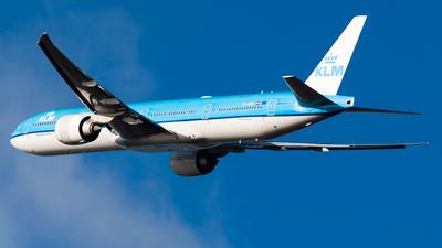 A picture of PHBVK - Boeing 777306(ER) - KLM - © Wilko Doodhagen