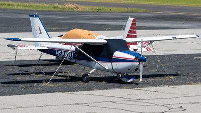 N8842U - Cessna 172F Skyhawk - Private