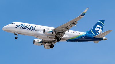 A picture of N624QX - Embraer E175LR - Alaska Airlines - © Ricky Teteris