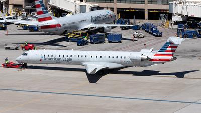 A picture of N245LR - Mitsubishi CRJ900LR - American Airlines - © SakaiWakana