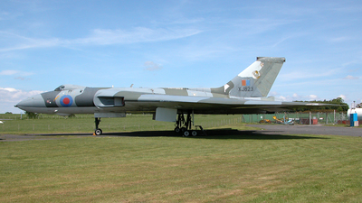 XJ823 - Avro 698 Vulcan B.2 - United Kingdom - Royal Air Force (RAF)