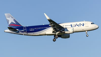 CC-BFF - Airbus A320-214 - LAN Airlines