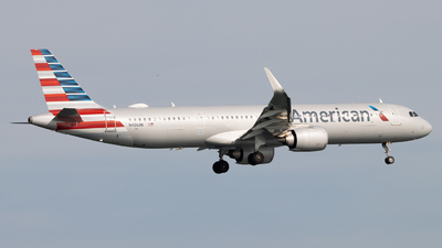 A picture of N406AN - Airbus A321253NX - American Airlines - © martyb