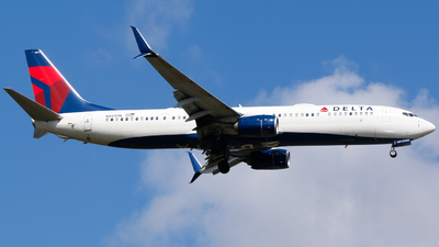 A picture of N891DN - Boeing 737932(ER) - Delta Air Lines - © Alec Mollenhauer