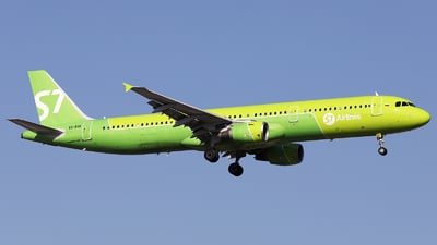 VQ-BQK - Airbus A321-211 - S7 Airlines