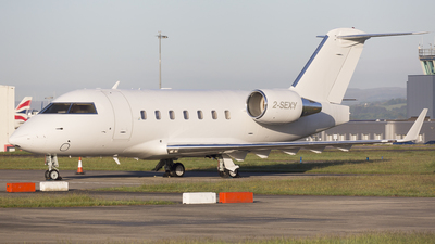 2-SEXY - Bombardier CL-600-2B16 Challenger 601-3A - Hangar 8