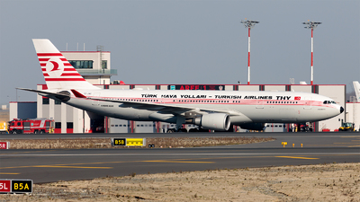 TC-JNC - Airbus A330-203 - Turkish Airlines