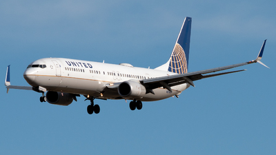A picture of N37464 - Boeing 737924(ER) - United Airlines - © Michael Place