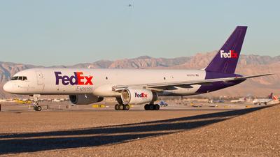 A picture of N957FD - Boeing 75721B(SF) - FedEx - © Patrick Weis