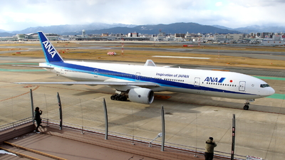 A picture of JA754A - Boeing 777381 - All Nippon Airways - © kouyagi