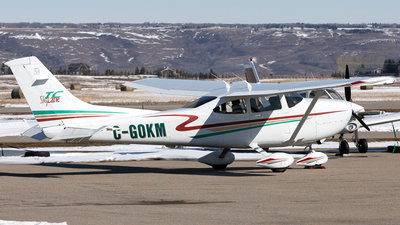 C-GOKM - Cessna T182T Skylane TC - Private